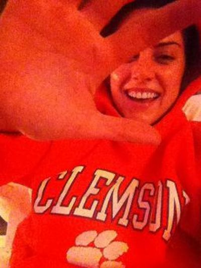 Jessica Stroup Twitpics (24 pics)