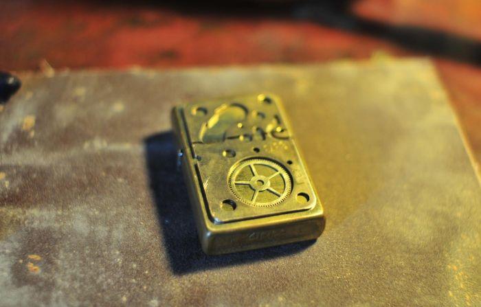 Steampunk Modified Zippo (12 pics)
