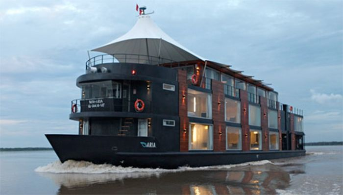 Floating Hotel on Amazon River in Peru (14 pics)