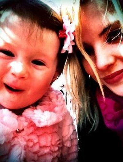 Ashley Benson Twitpics (25 pics)