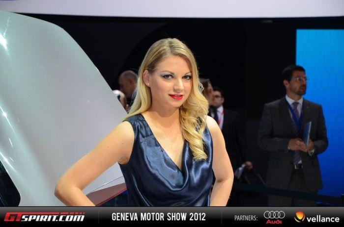 Girls of Geneva Motor Show 2012 (43 pics)