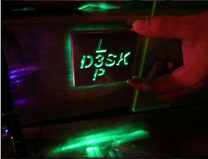 Project: L3p D3sk (21 pics)