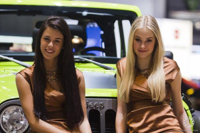 Girls of Geneva Motor Show 2012. Part 2 (68 pics)