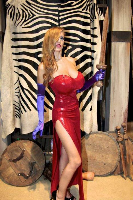 Real Life Jessica Rabbit (17 pics)