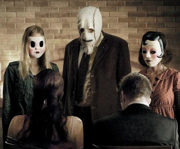 meet to strangers costume