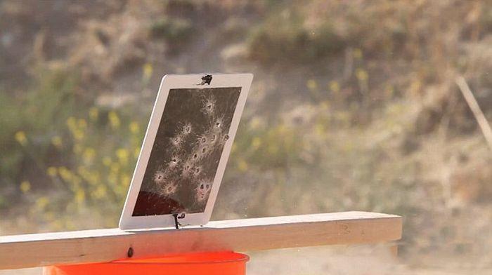 Is the New iPad Bulletproof? (8 pics)