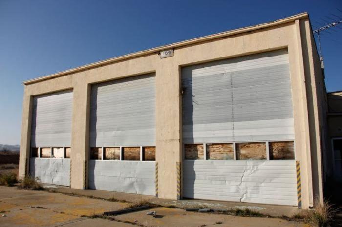 Abandoned NASA Crows Landing Airport (47 pics)