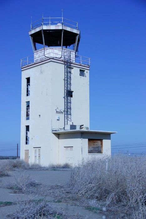 Abandoned NASA Crows Landing Airport (47 pics)