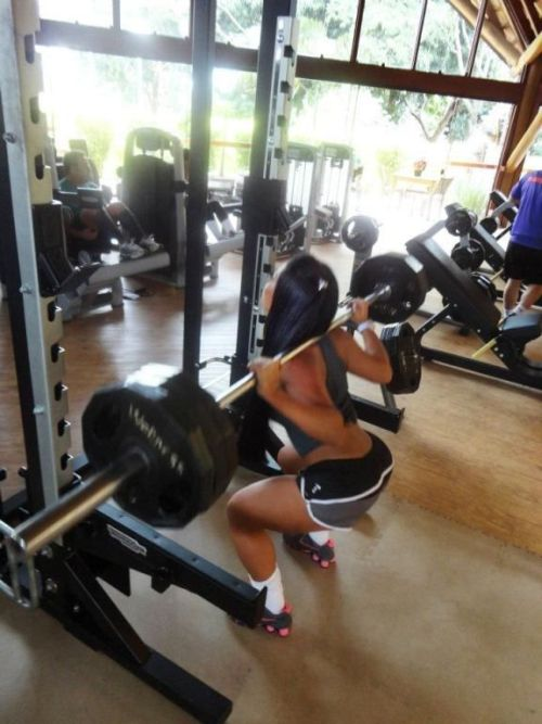 Girls Working Out (25 pics)