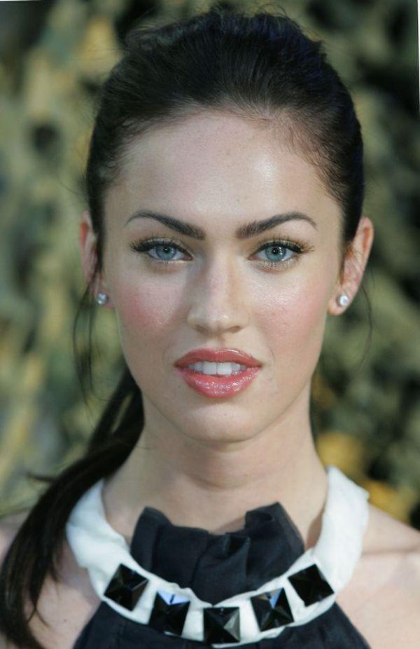 Megan Fox Aging Timeline (20 pics)