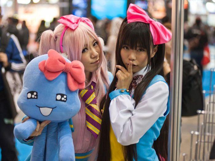 Tokyo Anime Girls (24 pics)