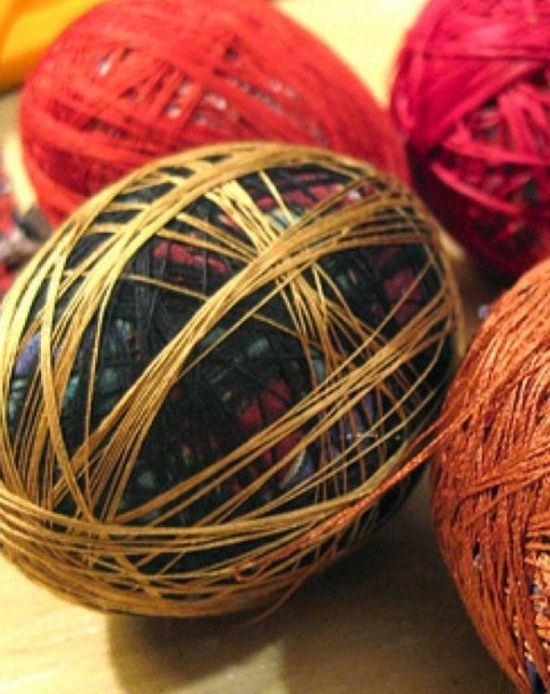 Easy Way to Color Easter Eggs Using Old Ties (4 pics)