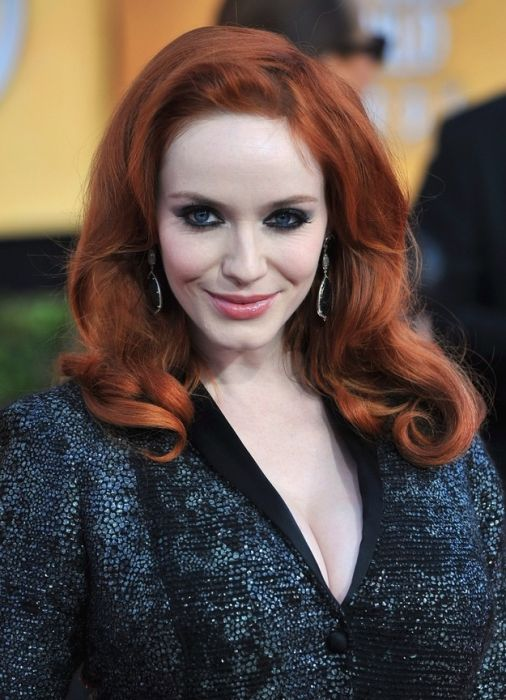 50 Pics That Prove Celebs Are Just As Obsessed With The: Christina Hendricks Cleavage (50 Pics