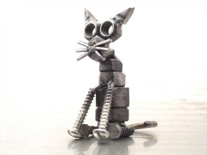 Sculptures Made Out of Fasteners (46 pics)