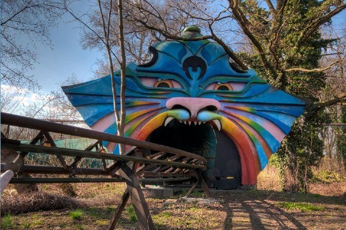 Imagenes De Sentirse Abandonado: Parque De Diversiones Abandonado