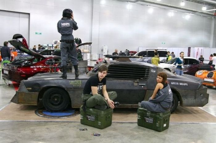 Mad Max Camaro (24 pics)