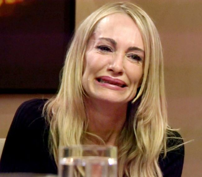 Celebrities Crying (34 pics)
