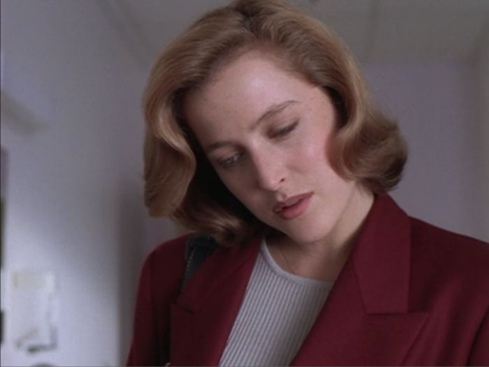 Scully's Eyes (32 pics)