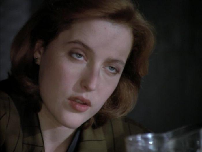 Scully's Eyes (32 pics)