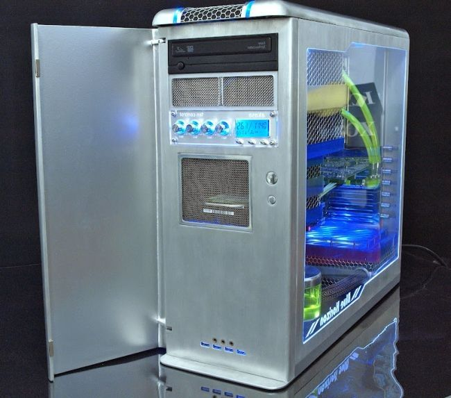 Awesome Fully Handmade PC Modding (7 pics)