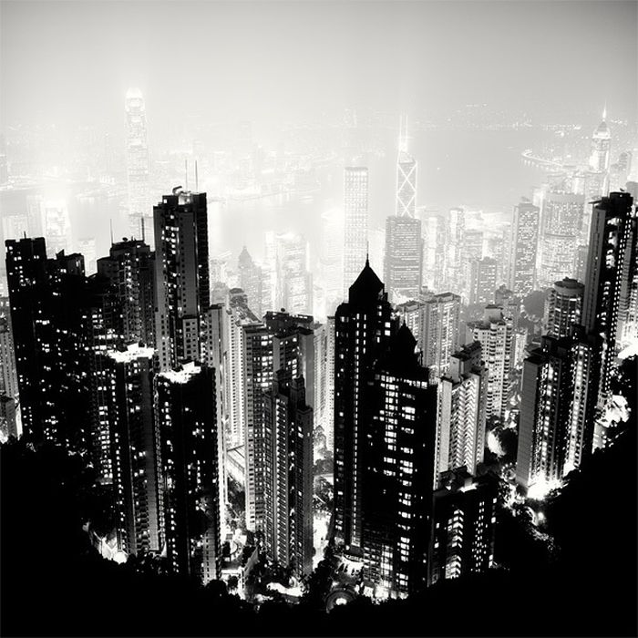 Nightscapes Of Big Cities In Black and White (20 pics)