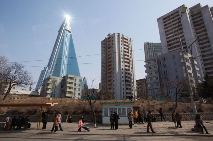 Random Pictures of North Korea (37 pics)