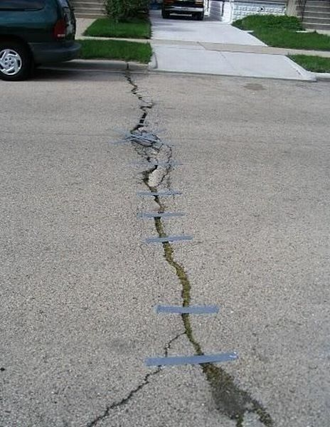Things You Shouldn't Fix With Duct Tape (32 pics)