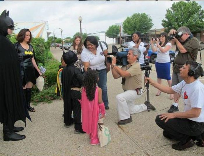 Kid Gets to be Batman for a Day (17 pics)