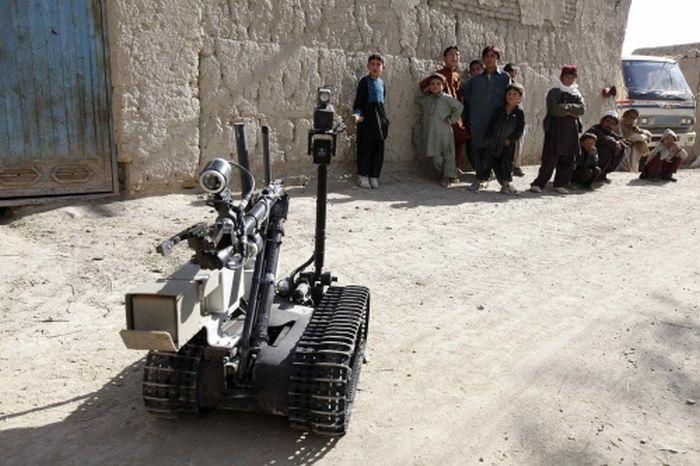 EOD robots (31 pics)