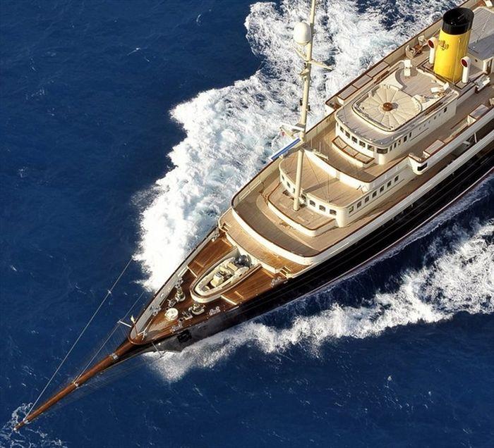 Beautiful Nero Yacht by Neptun Ozis (15 pics)