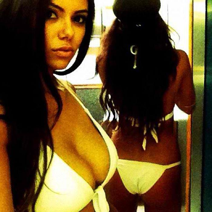 Bikini Girls At Coachella 2012 (60 pics)