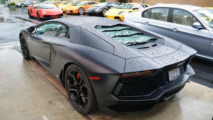 Lamborghini Aventador Pre Fire (3 pics + video)