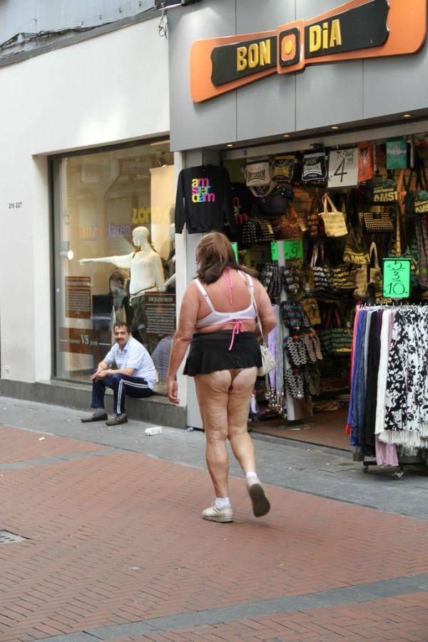 Crazy Guy in Amsterdam (3 pics)