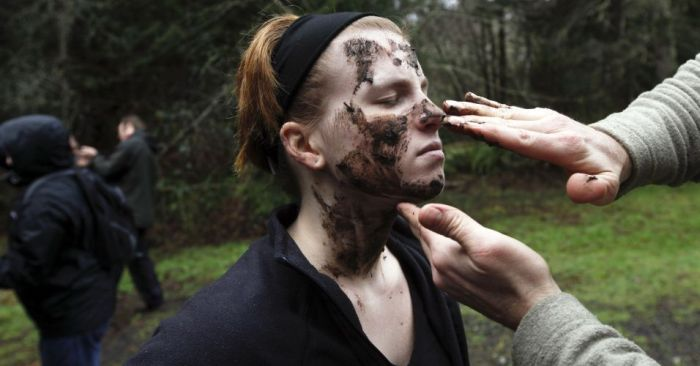 Zombie Survival Training (13 pics + video)