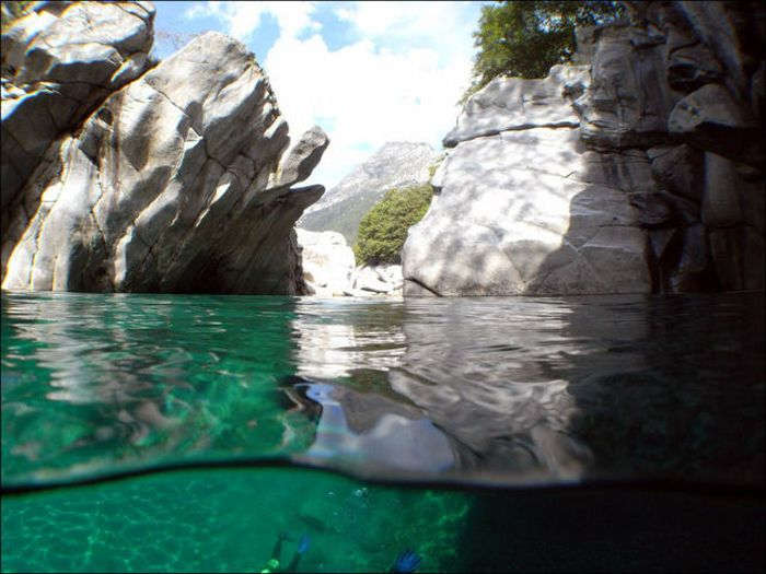 Incredibly Clear Waters of Verzasca River (12 pics)