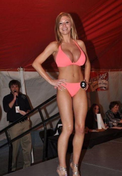 Danielle Houghton (19 pics)