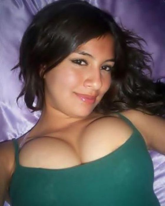 Sexy Dorm Girls (58 pics)