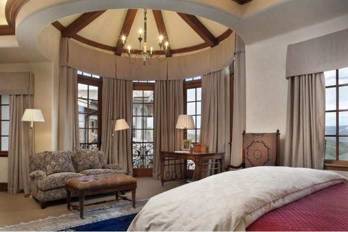Mountain Mansion in Colorado (17 pics)