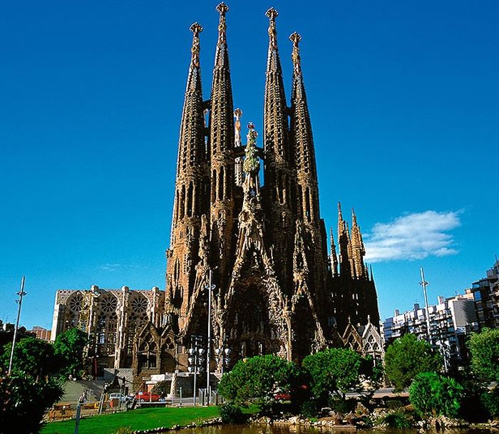 Some of the World's Most Beautiful Buildings (20 pics)