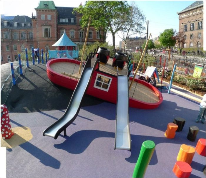 Cool Playgrounds (13 pics)