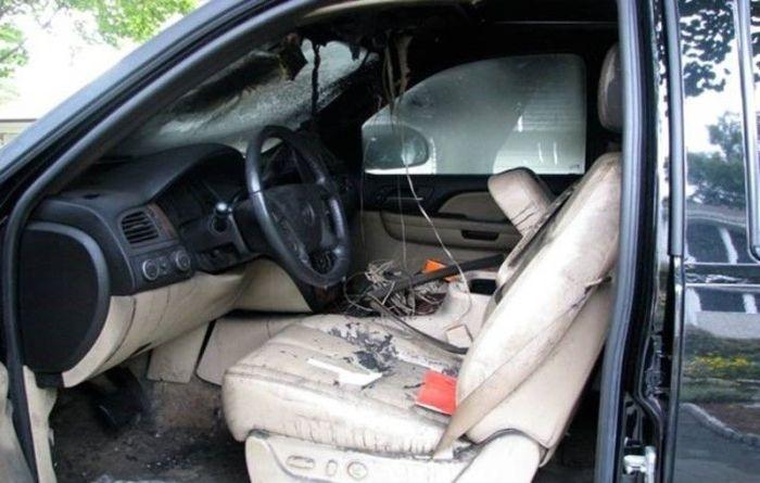 GPS Battery Explosion (5 pics)