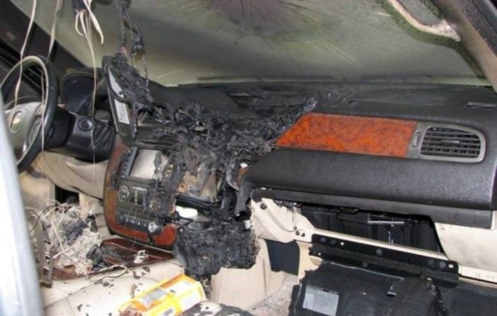 GPS Battery Explosion (5 pics)
