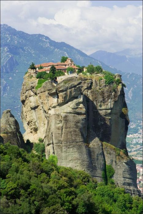 Meteora Monasteries in Greece (5 pics)