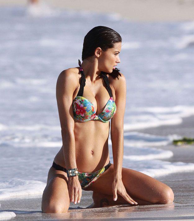 Bikini Girls (30 pics)