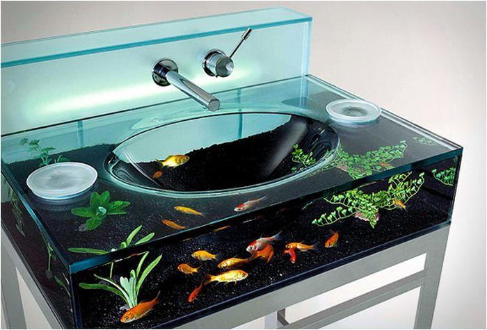 Moody Aquarium Sink (5 pics)