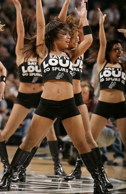 Spurs Girls (50 pics)