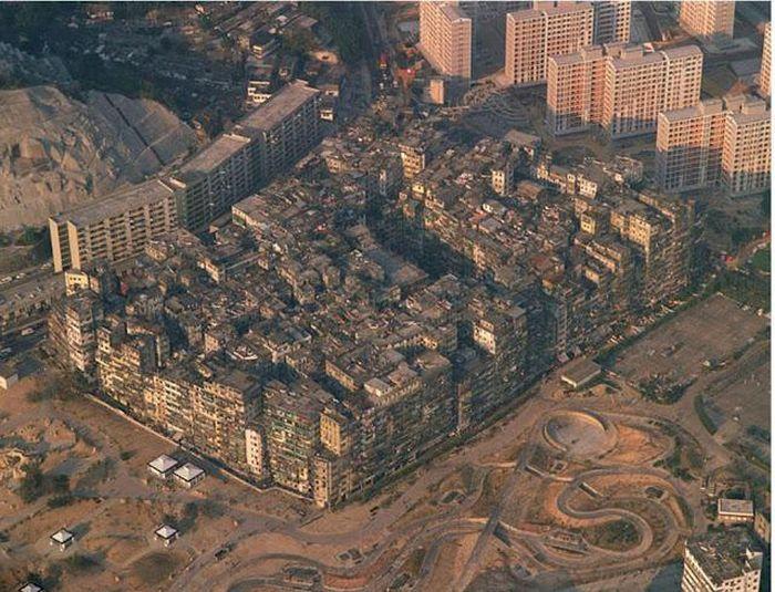 Kowloon Walled City (22 pics)