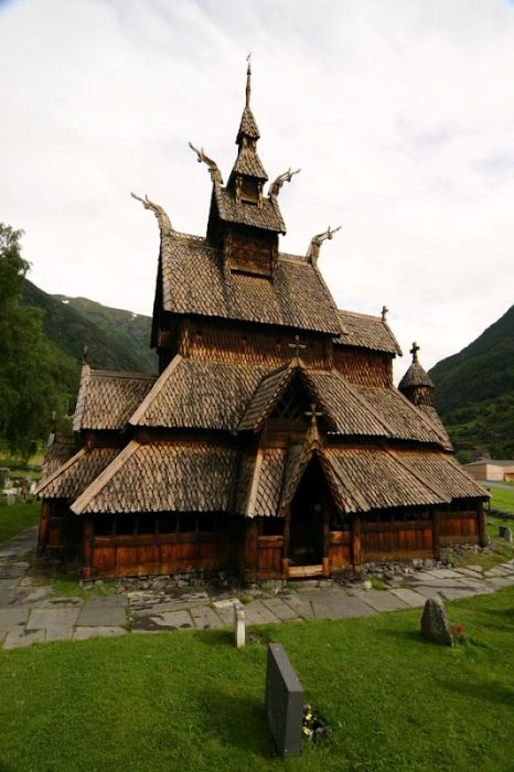 Most Extraordinary Churches of the World (56 pics)