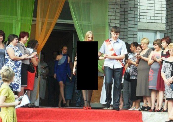 Russian Girl Prom Dress (4 pics)