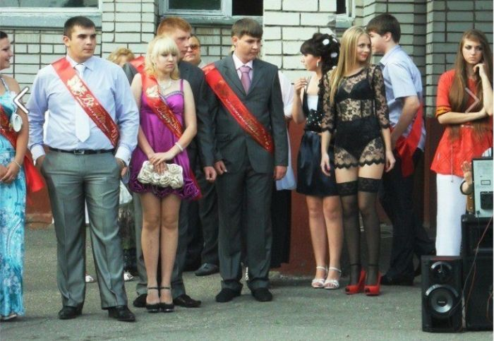 Russian Girl Prom Dress (4 pics)